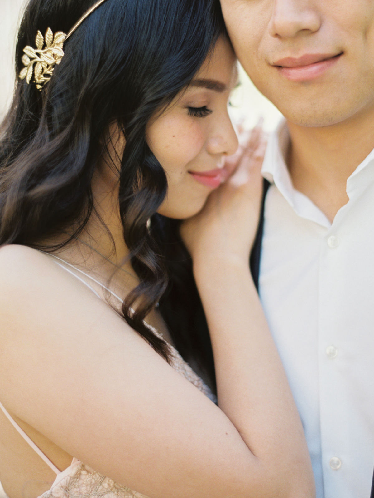 romantic engagement pictures photo by Matoli Keely Photography
