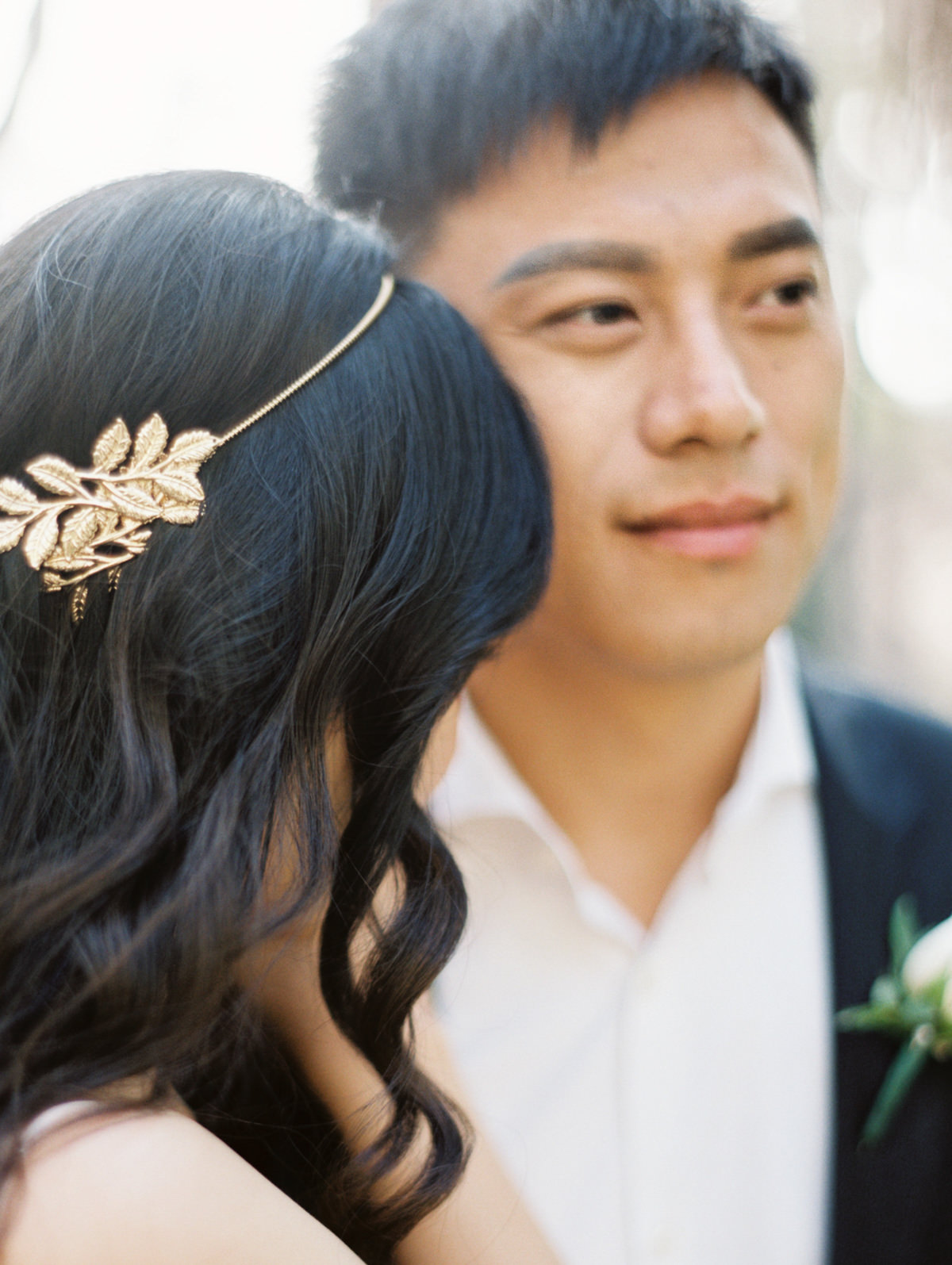 wedding bridal hair piece photo by Matoli Keely Photography