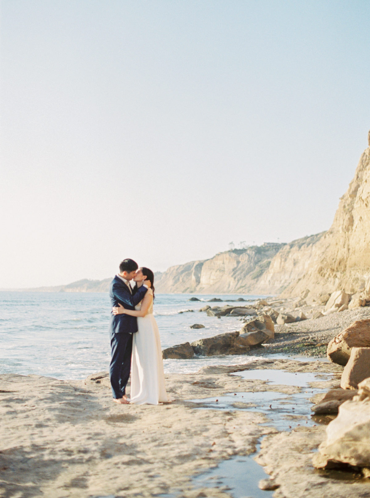 la jolla california cliff engagement photo by Matoli Keely Photography